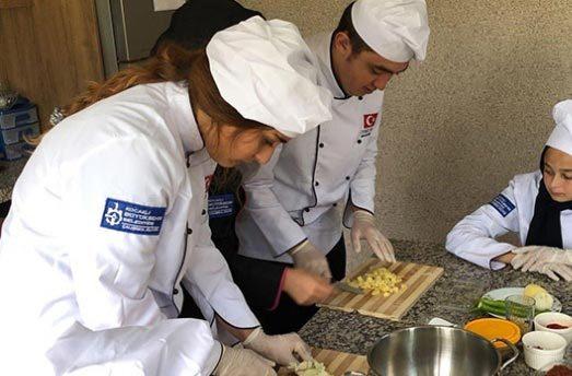 Aşçı Yardımcısı Arayan - Kadıköy